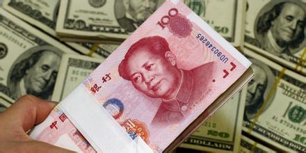 人民币跌跌不休,是否需要兑换美元保值?