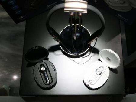 盈科资本助力普罗声声学发布首款无线智能辅听耳机