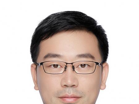 前默沙东(MERCK)销售总监秦彪加盟盈科资本